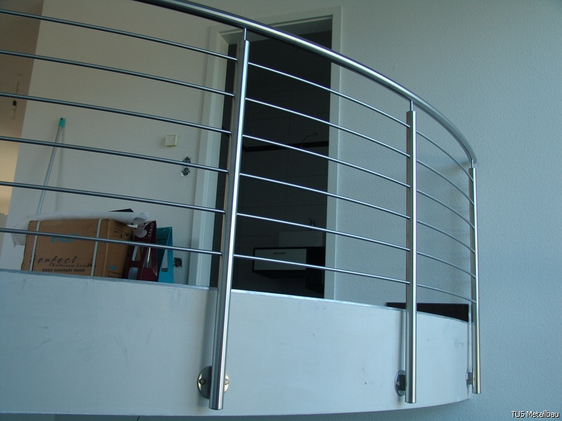 Treppengeländer Holz Und Stahl ~ Treppengeländer Edelstahl, Holz, Stahl und Glas